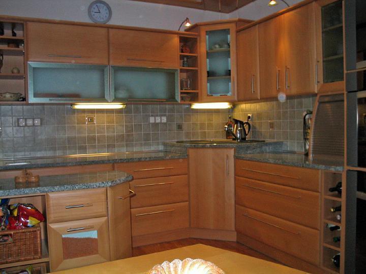 moderni kuchyne kuchynske linka Suhajek (130)