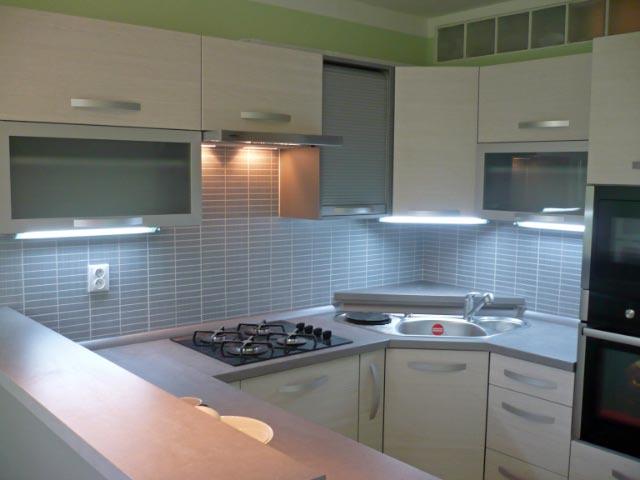 moderni kuchyne kuchynske linka Suhajek (213)