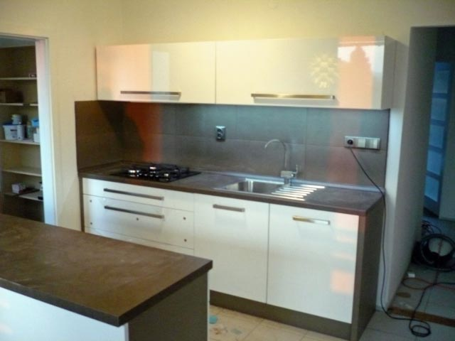 moderni kuchyne kuchynske linka Suhajek (218)