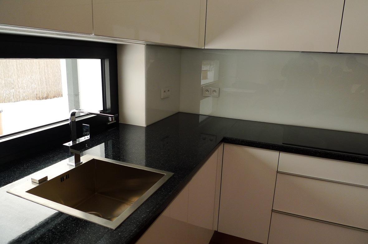 moderni kuchyne kuchynske linka Suhajek (231)