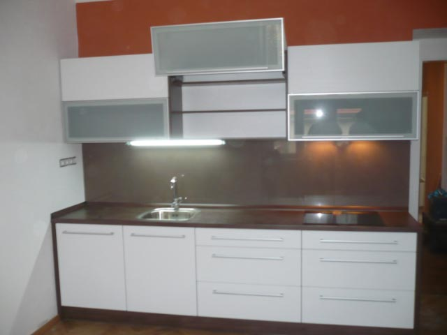 moderni kuchyne kuchynske linka Suhajek (255)