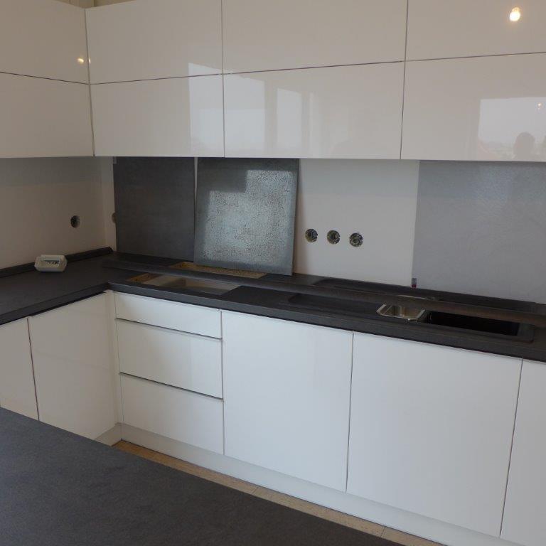 moderni kuchyne kuchynske linka Suhajek (301)