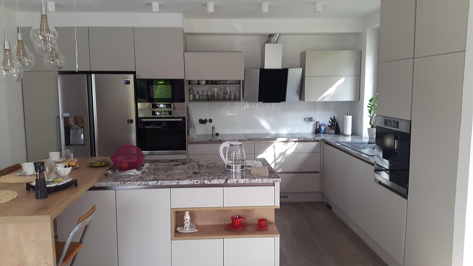 moderni kuchyne kuchynske linka Suhajek (369)