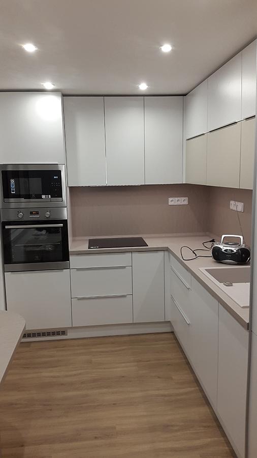 moderni kuchyne kuchynske linka Suhajek (373)