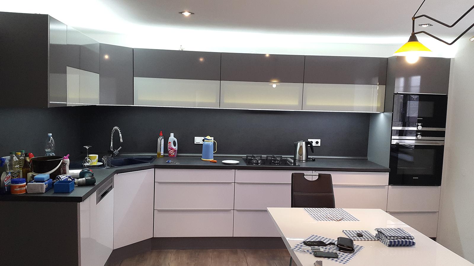 moderni kuchyne kuchynske linka Suhajek (387)