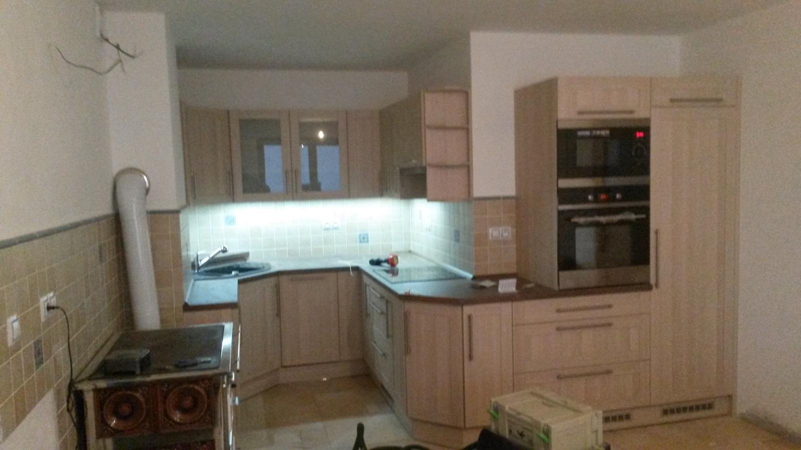 moderni kuchyne kuchynske linka Suhajek (389)