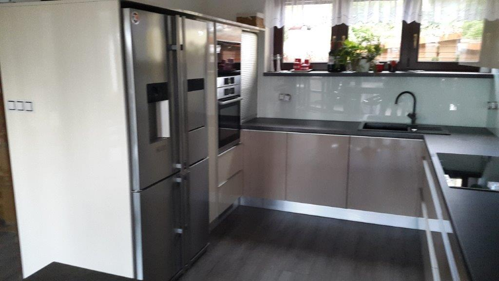 moderni kuchyne kuchynske linka Suhajek (405)
