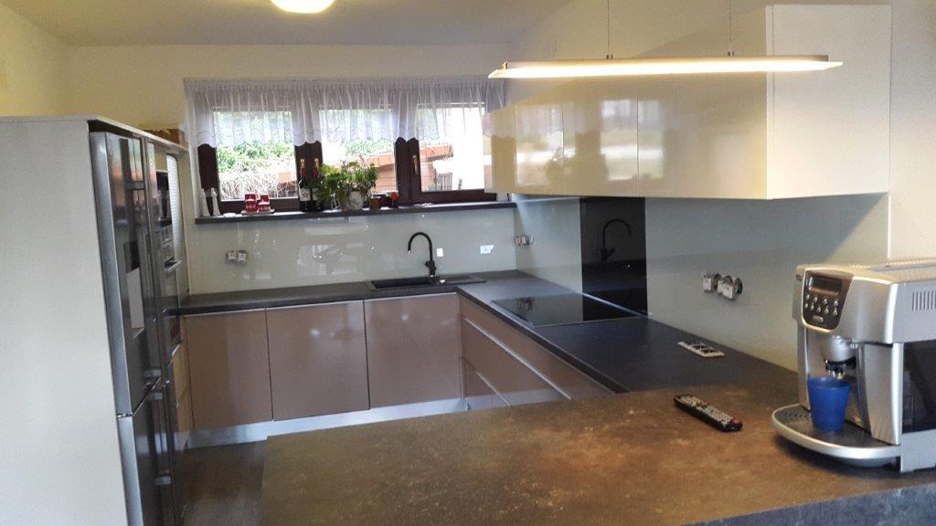 moderni kuchyne kuchynske linka Suhajek (406)