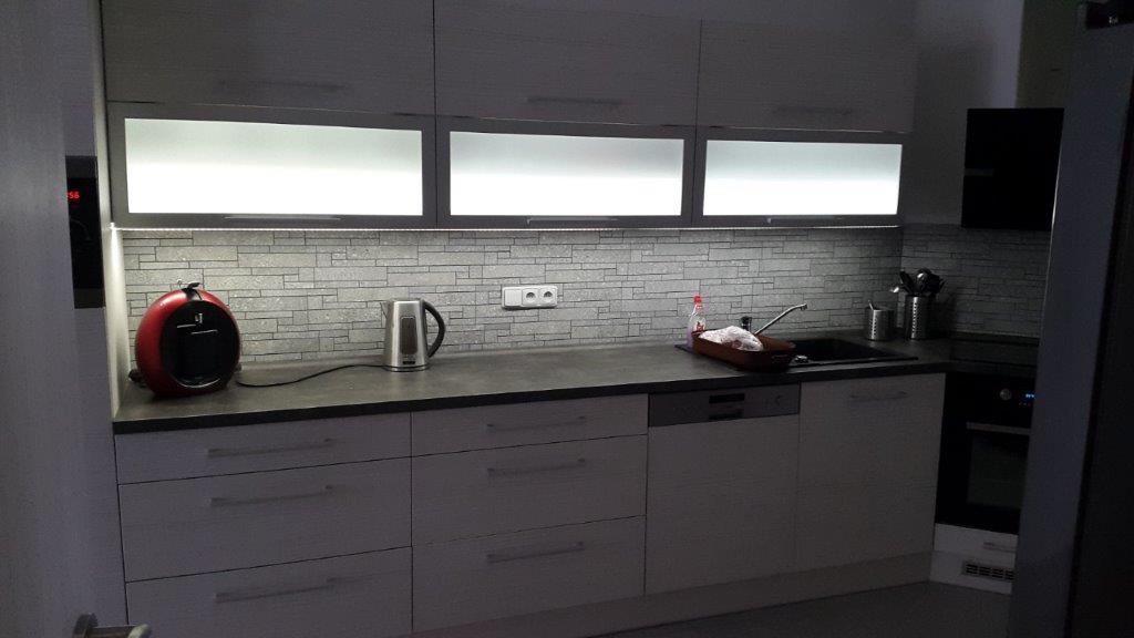 moderni kuchyne kuchynske linka Suhajek (415)