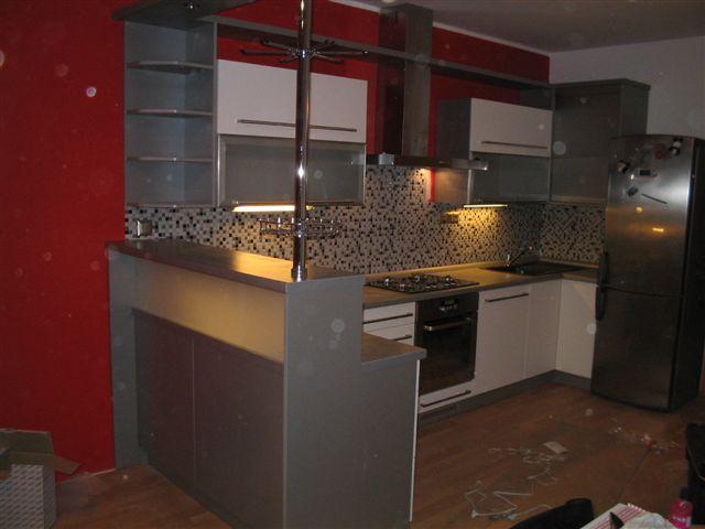 moderni kuchyne kuchynske linka Suhajek (422)