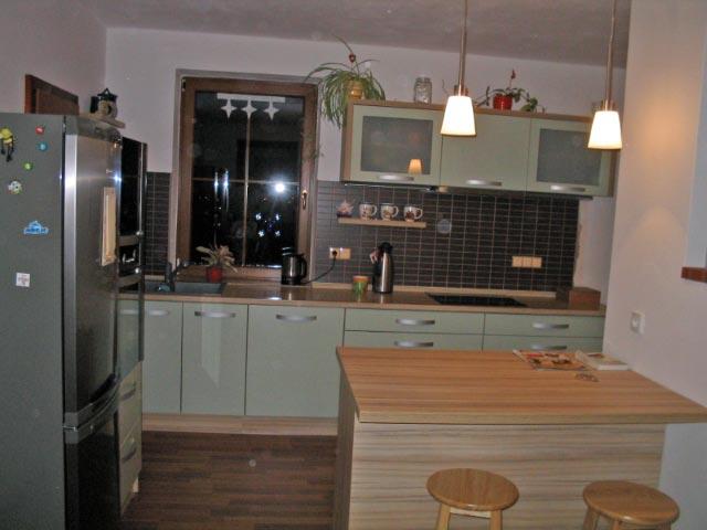 moderni kuchyne kuchynske linka Suhajek (473)