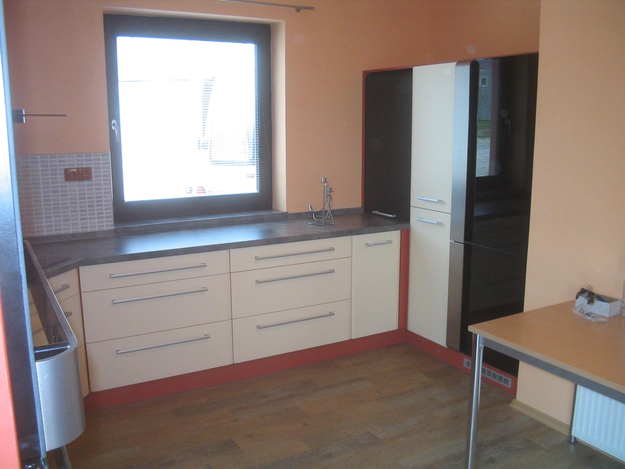 moderni kuchyne kuchynske linka Suhajek (480)
