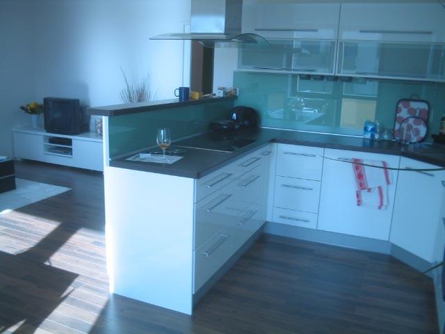 moderni kuchyne kuchynske linka Suhajek (496)