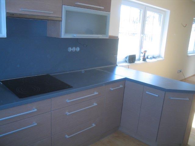 moderni kuchyne kuchynske linka Suhajek (500)