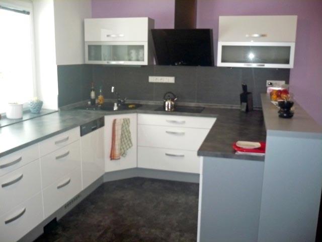 moderni kuchyne kuchynske linka Suhajek (507)