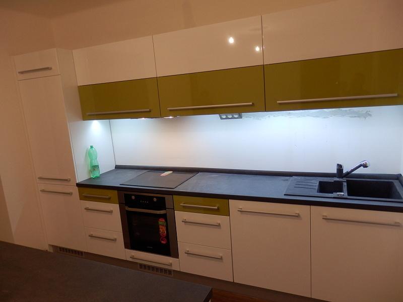 moderni kuchyne kuchynske linka Suhajek (547)