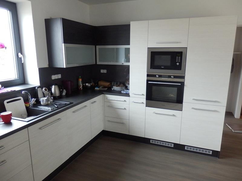 moderni kuchyne kuchynske linka Suhajek (552)