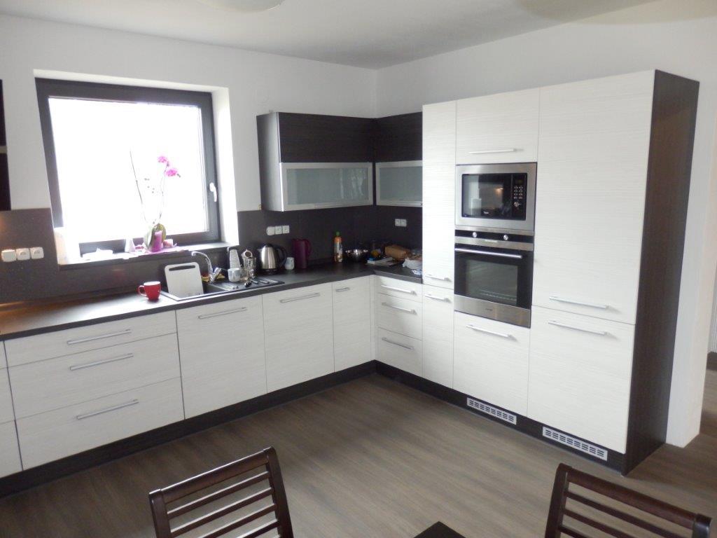 moderni kuchyne kuchynske linka Suhajek (560)